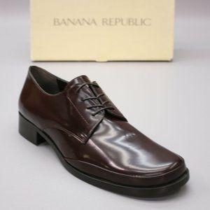 Banana Republic Ladies 8.5 Bond-212 Oxford Derby Brown Patent Leather Italian